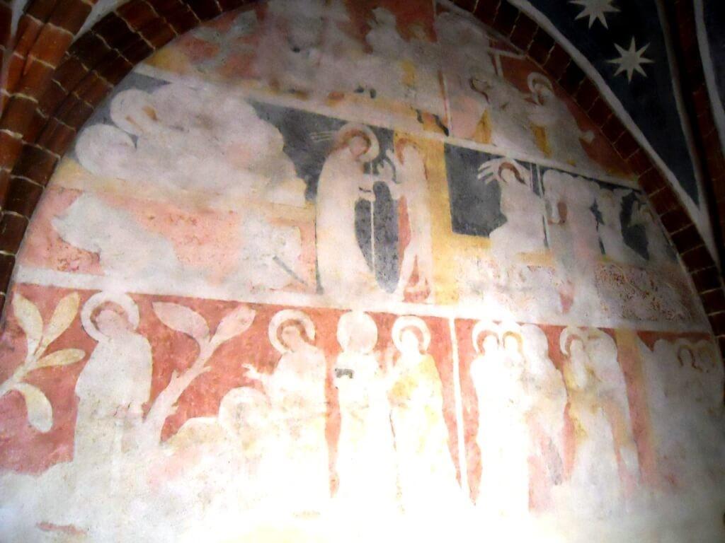 Fresky v síni na hradě