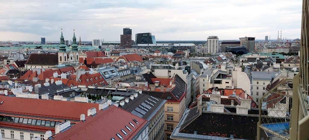 Pohled na město ze Stephansdomu