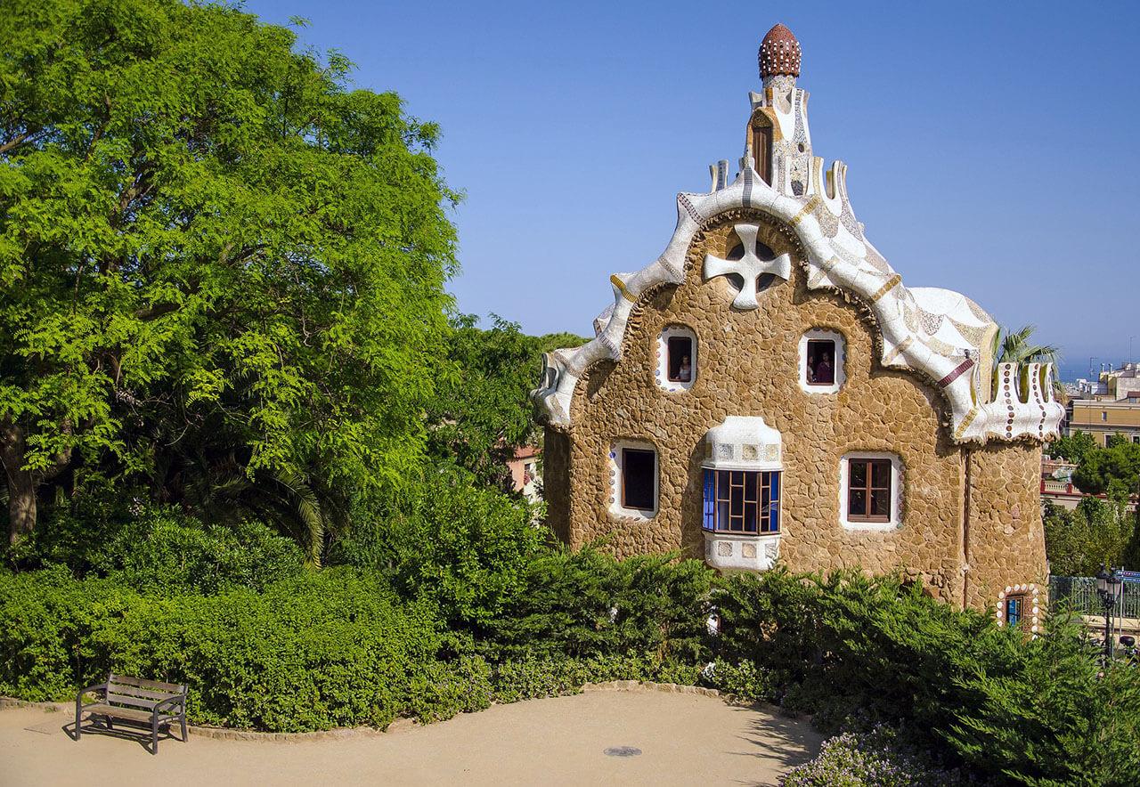 Krásy parku Guell v Barceloně