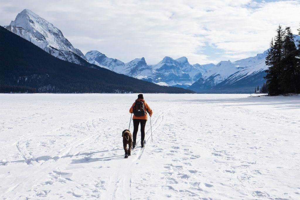 Pes hory cestoun